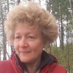 Ирина Бородина. Тренер по скандинавской ходьбе в Харитоновском парке.