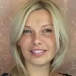 Алена Сутулова. Тренер по скандинавской ходьбе в парке Куркино